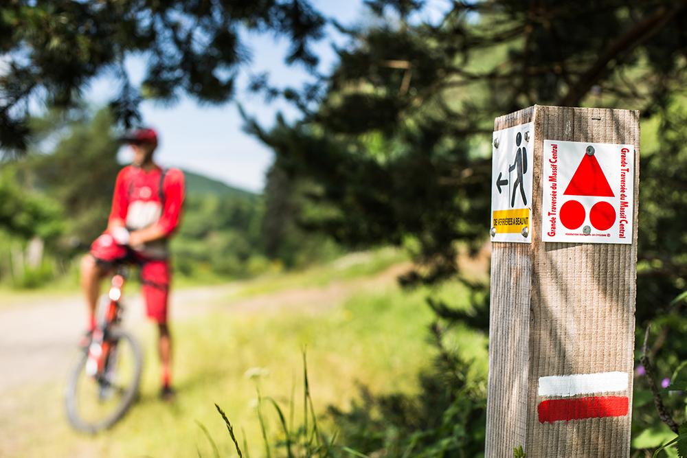Mountain biking on the GTMC in Volvic
