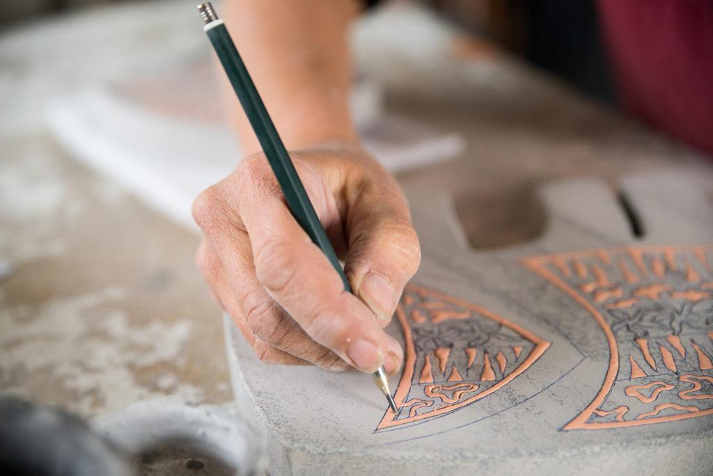 Enamelling lava stone