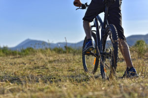 Mountain biking ©Henri Derus