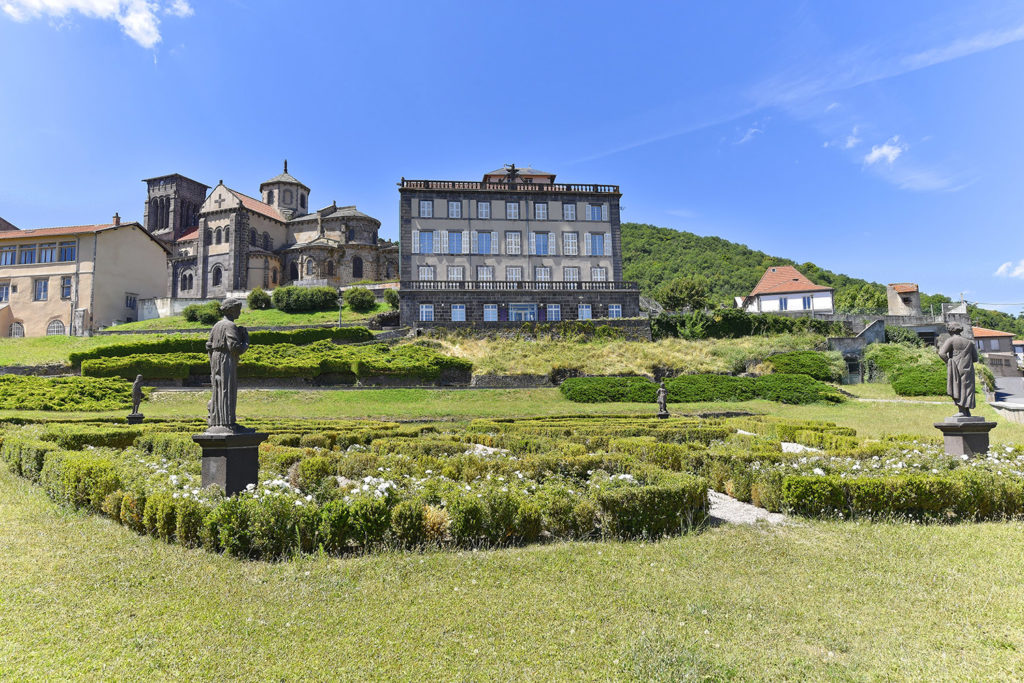 Jardin de Bosredon et musée Sahut, Volvic (63)