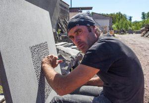 Tailleur de pierre Thierry Courtadon, Volvic