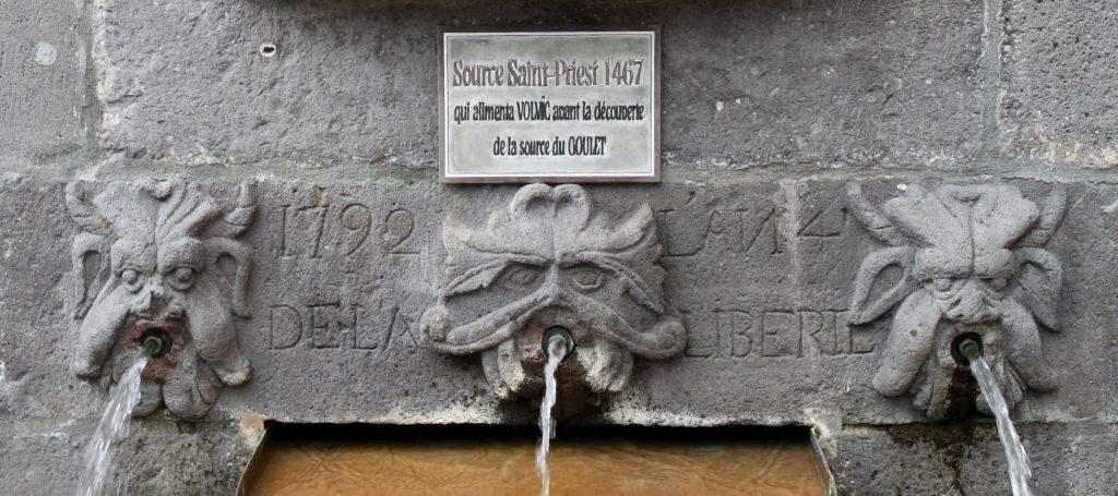 Fontaine source Saint-Priest à Volvic