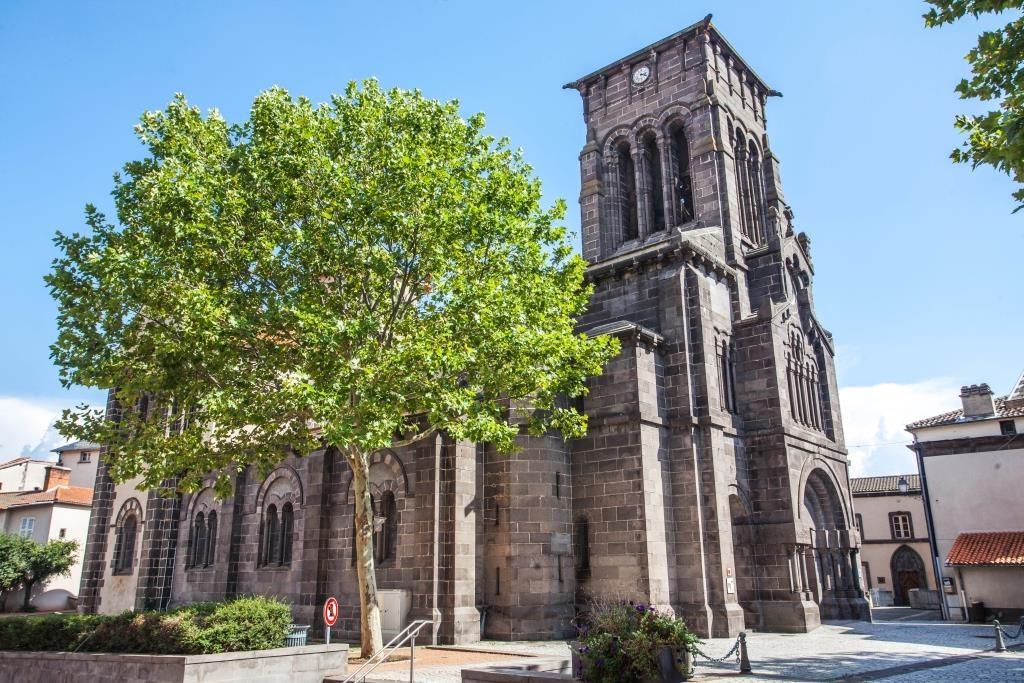 Eglise Saint-Priest à Volvic