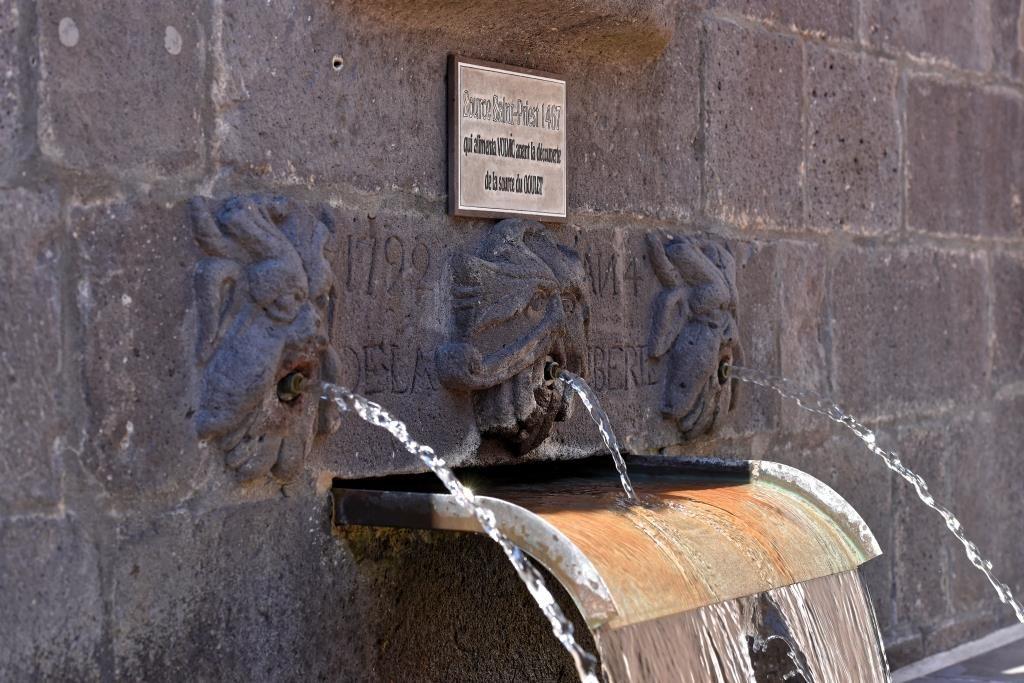 Source Saint Priest à Volvic