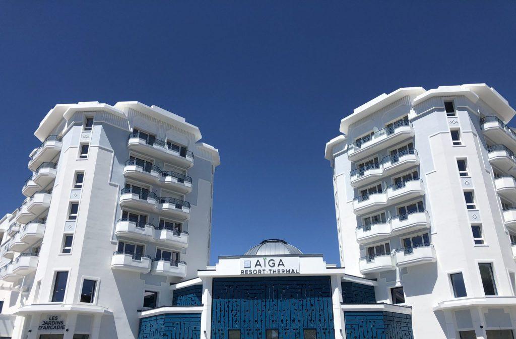 Façade de l'établissement thermal Aïga resort à Châtel-Guyon