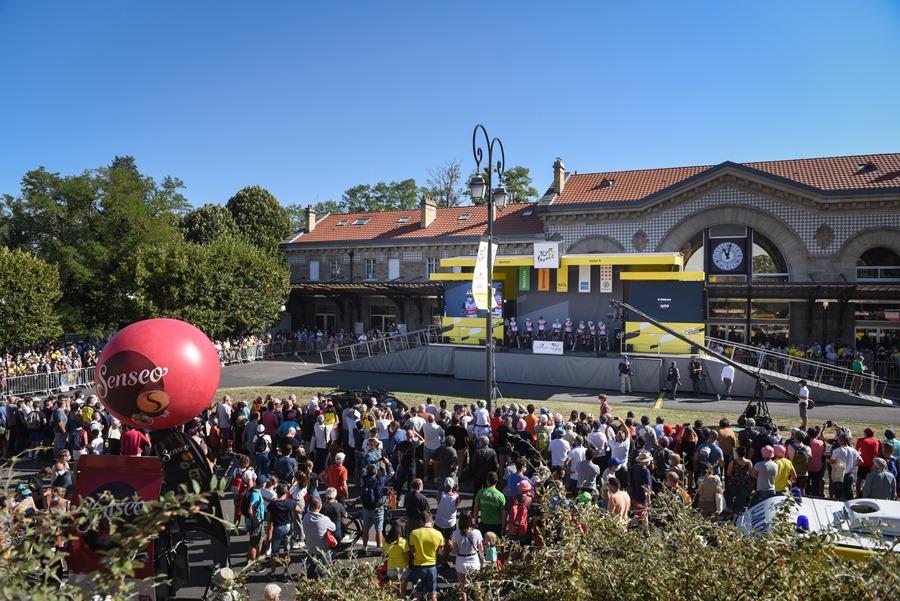 Podium du Tour de France 2020 à Châtel-Guyon