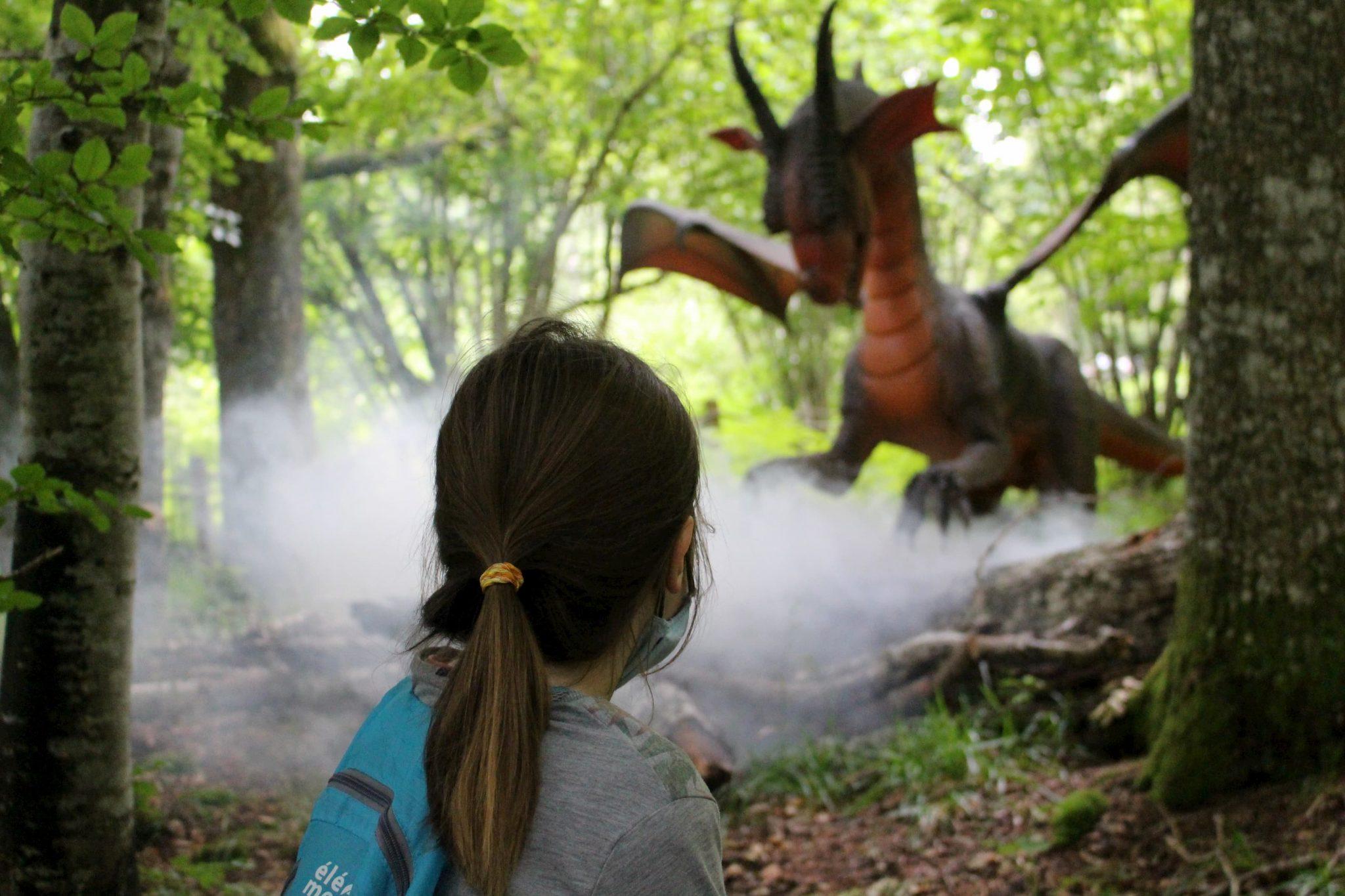 La forêt des dragons du Parc Vulcania à Saint-Ours