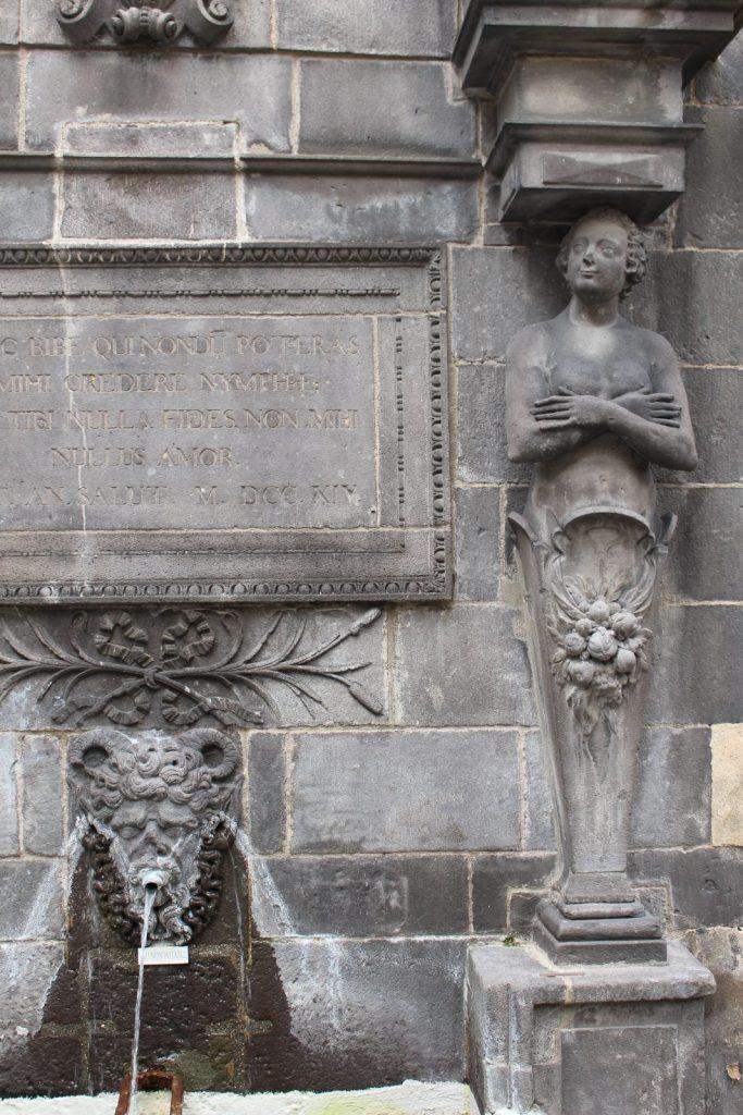Fontaine d'Adam et Eve à Riom