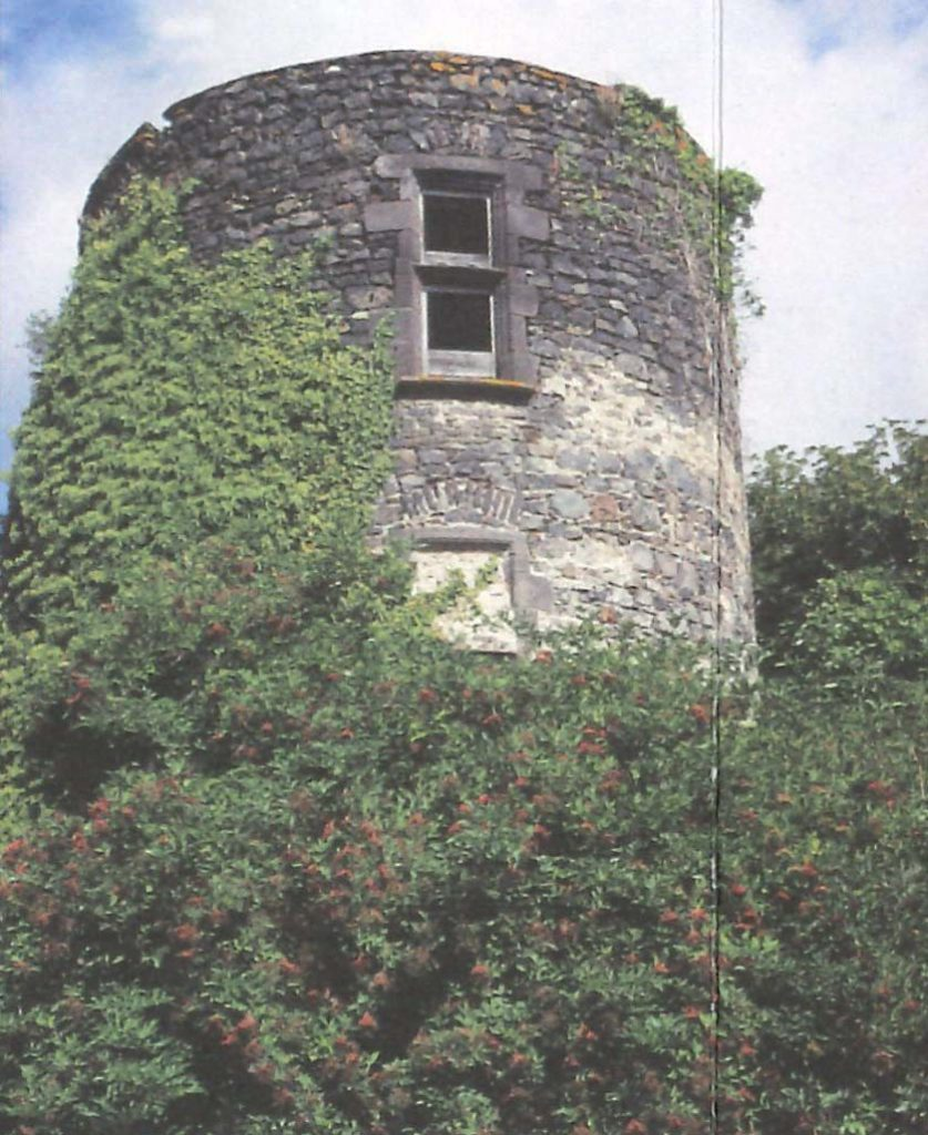 Tour du château de Marsat