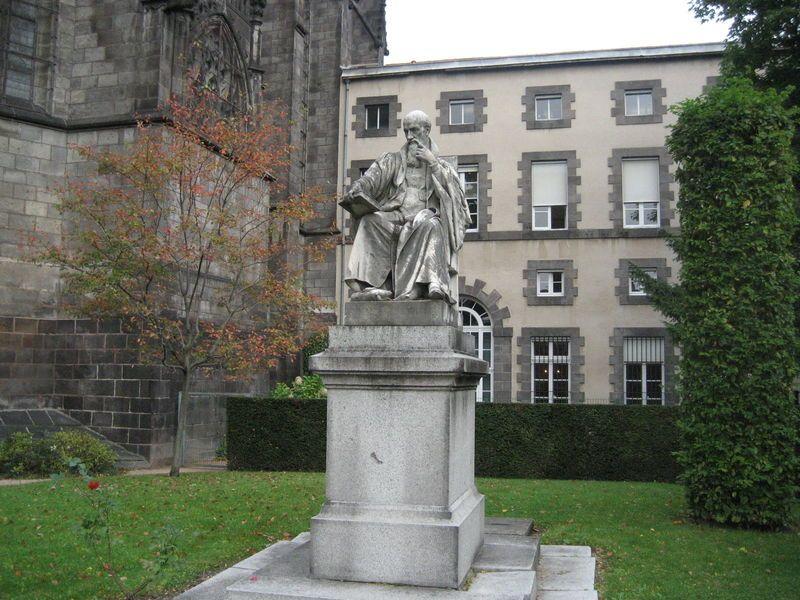 Statue Michel de l'Hospital jardin cour d'appel RLV