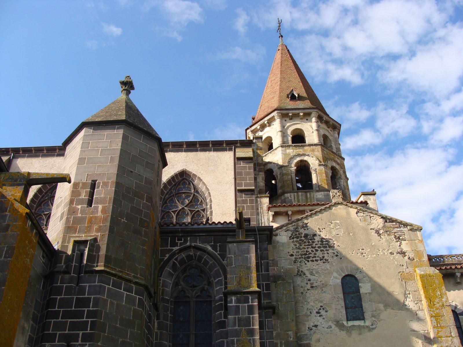 Collégiale Saint Victor et Sainte Couronne – Ennezat